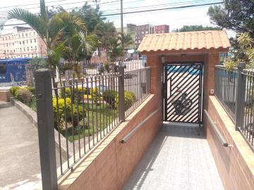 Alugar Apartamento / Padrão em Itapevi. apenas R$ 700,00