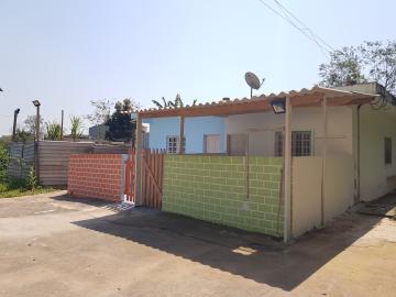 Alugar Casa / Terrea em Cotia. apenas R$ 750,00