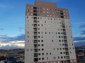 Alugar Apartamento / Padrão em Carapicuíba. apenas R$ 1.000,00