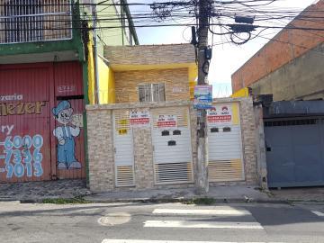 Alugar Casa / Terrea em Carapicuíba R$ 800,00 - Foto 2