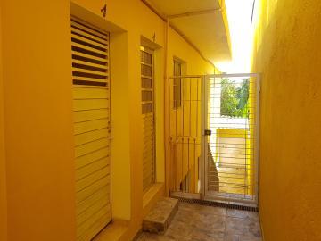 Alugar Casa / Terrea em Carapicuíba R$ 800,00 - Foto 4