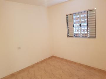 Alugar Casa / Terrea em Carapicuíba R$ 800,00 - Foto 10