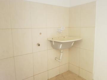 Alugar Casa / Terrea em Carapicuíba R$ 800,00 - Foto 24