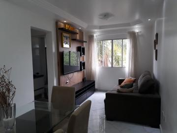 Apartamento / Padrão em Osasco Alugar por R$800,00