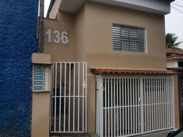 Casa / Terrea em Osasco Alugar por R$915,00