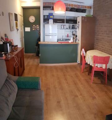 Apartamento / Padrão em Carapicuíba , Comprar por R$210.000,00