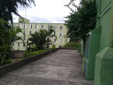 Apartamento / Padrão em Carapicuíba , Comprar por R$180.000,00