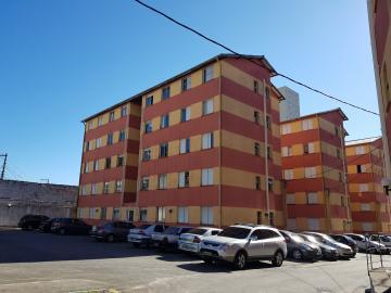 Apartamento / Padrão em Osasco Alugar por R$900,00
