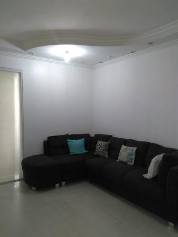 Alugar Apartamento / Padrão em Carapicuíba. apenas R$ 190.000,00