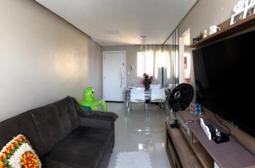 Apartamento / Padrão em Carapicuíba , Comprar por R$185.000,00