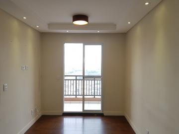 Alugar Apartamento / Padrão em Carapicuíba. apenas R$ 1.300,00
