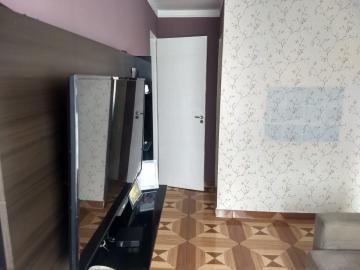 Alugar Apartamento / Padrão em Carapicuíba. apenas R$ 450,00