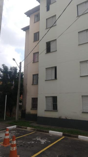 Alugar Apartamento / Padrão em Carapicuíba. apenas R$ 143.000,00