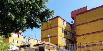 Apartamento / Padrão em Carapicuíba , Comprar por R$160.000,00