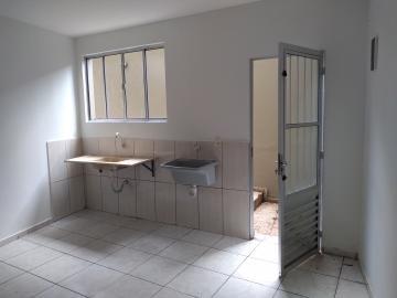Alugar Apartamento / Padrão em Carapicuíba. apenas R$ 530,00