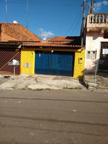Alugar Casa / Terrea em Boituva. apenas R$ 180.000,00