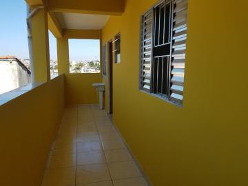Apartamento / Kitnet em Osasco Alugar por R$775,00