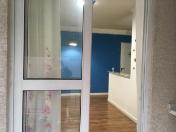 Alugar Apartamento / Padrão em Carapicuíba. apenas R$ 200.000,00