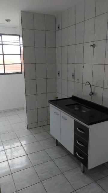 Comprar Apartamento / Padrão em Franco da Rocha R$ 140.000,00 - Foto 5