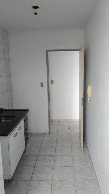 Comprar Apartamento / Padrão em Franco da Rocha R$ 140.000,00 - Foto 6
