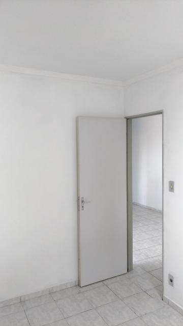 Comprar Apartamento / Padrão em Franco da Rocha R$ 140.000,00 - Foto 12