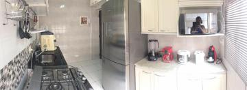 Comprar Apartamento / Padrão em Osasco R$ 360.000,00 - Foto 7
