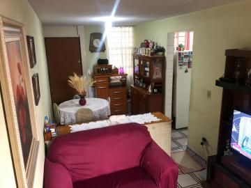 Comprar Apartamento / Padrão em Carapicuíba R$ 165.000,00 - Foto 1