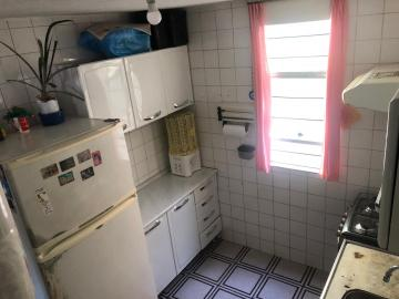 Comprar Apartamento / Padrão em Carapicuíba R$ 165.000,00 - Foto 3