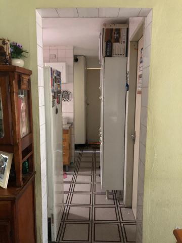 Comprar Apartamento / Padrão em Carapicuíba R$ 165.000,00 - Foto 6