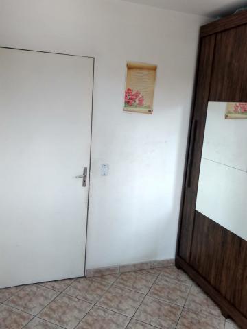 Comprar Apartamento / Padrão em Carapicuíba R$ 160.000,00 - Foto 9
