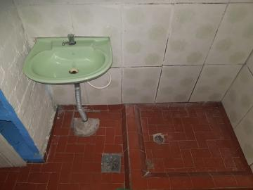 Alugar Casa / Terrea em Osasco R$ 650,00 - Foto 11