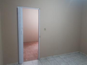 Alugar Casa / Terrea em Osasco R$ 850,00 - Foto 4