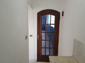 Alugar Casa / Assobradada em Osasco R$ 756,00 - Foto 6