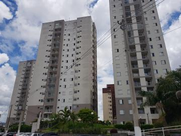 Alugar Apartamento / Padrão em Carapicuíba. apenas R$ 1.350,00