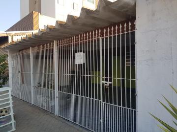 Alugar Casa / Terrea em Osasco. apenas R$ 850,00