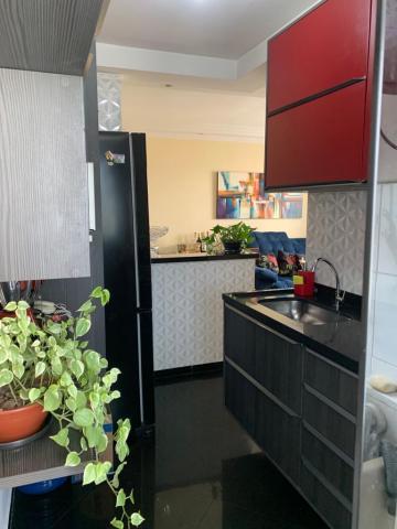 Comprar Apartamento / Padrão em Carapicuíba R$ 250.000,00 - Foto 3