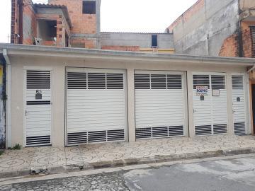 Casa / Assobradada em Osasco Alugar por R$900,00