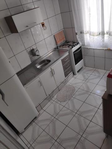 Comprar Apartamento / Padrão em Carapicuíba R$ 130.000,00 - Foto 3