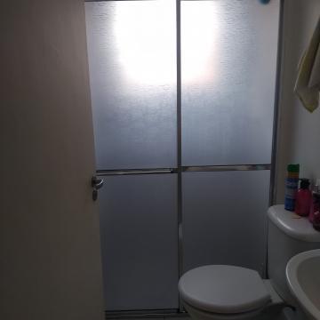Comprar Apartamento / Padrão em Carapicuíba R$ 195.000,00 - Foto 6