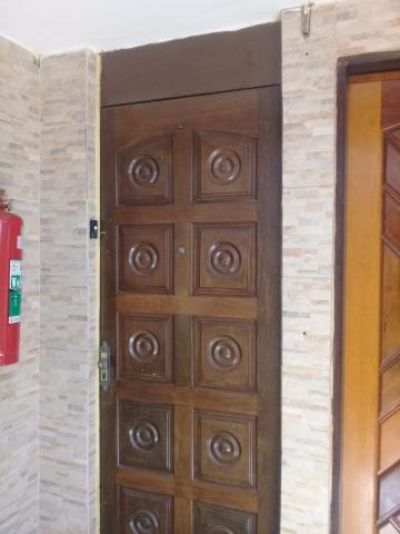 Comprar Apartamento / Padrão em Carapicuíba R$ 160.000,00 - Foto 16