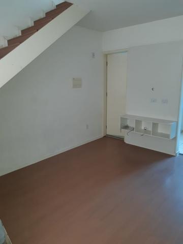Alugar Casa / Cond.fechado em Cotia. apenas R$ 200.000,00