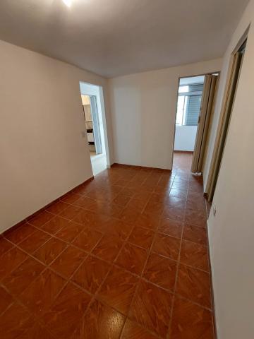 Alugar Apartamento / Padrão em Carapicuíba. apenas R$ 135.000,00