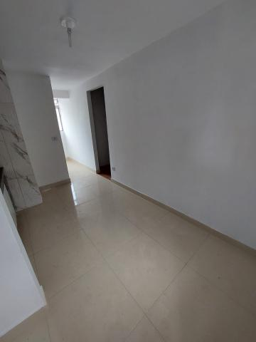 Comprar Apartamento / Padrão em Carapicuíba R$ 135.000,00 - Foto 5