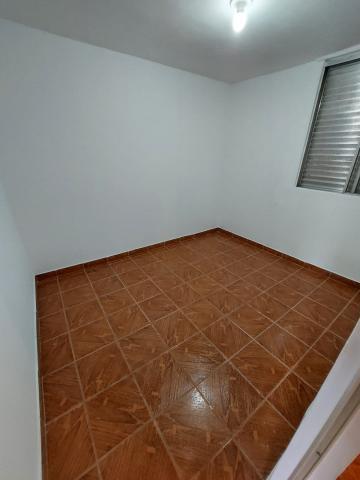 Comprar Apartamento / Padrão em Carapicuíba R$ 135.000,00 - Foto 8
