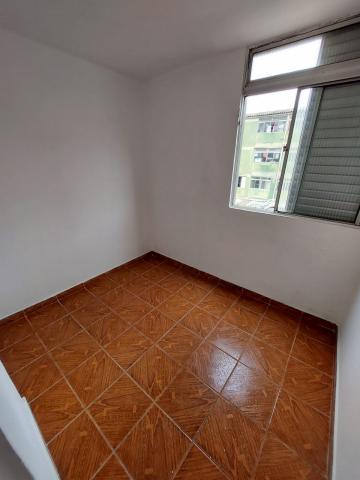 Comprar Apartamento / Padrão em Carapicuíba R$ 135.000,00 - Foto 9